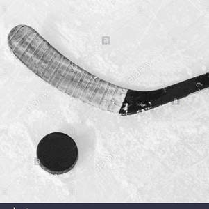 1535639179hockey-stick-and-puck-x5r5rk